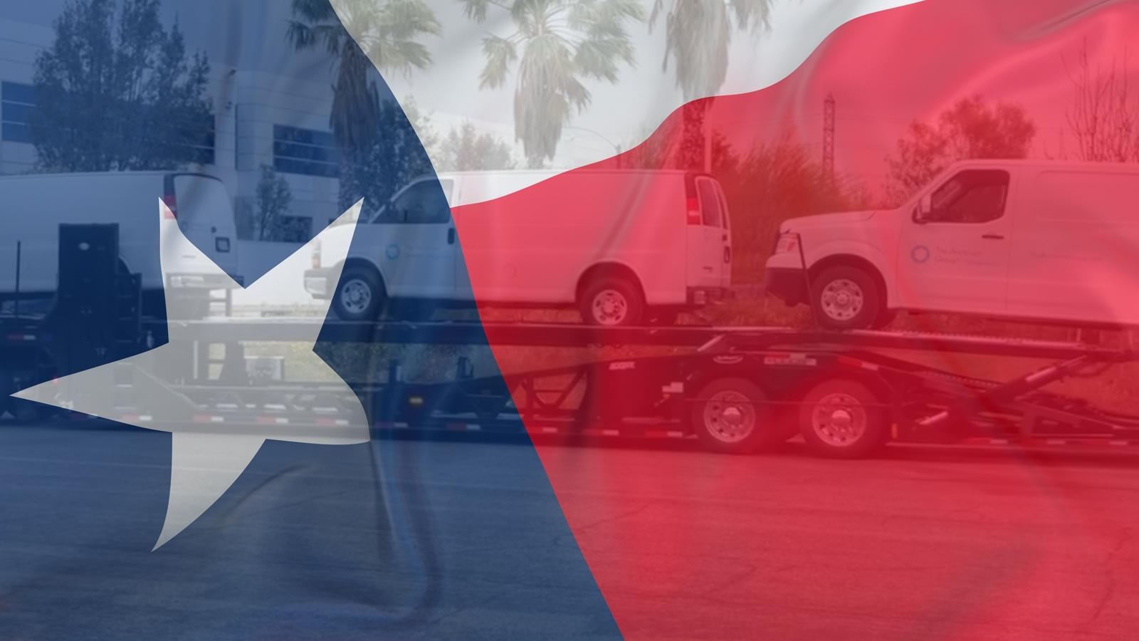 Bandera de Texas sobre camionetas de servicio